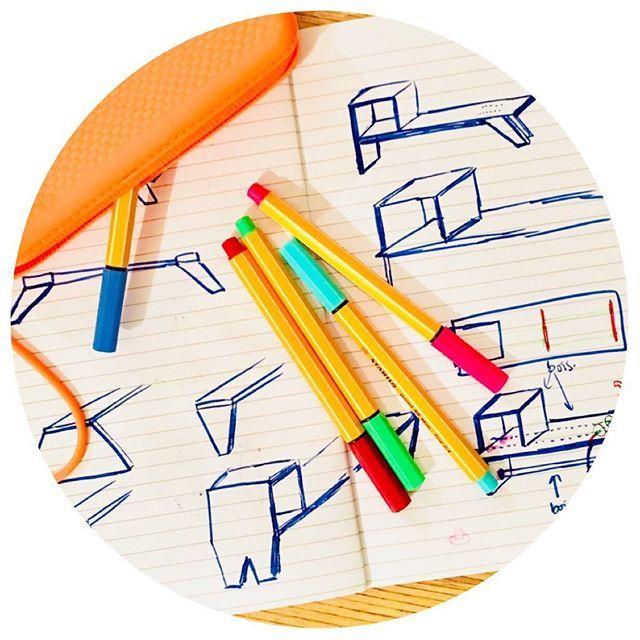 Réflexion croquis idées recherches... bonne soirée !    #reflexion #idees #chercher #explorer #dessin #croquis #crayon #feutre #cahier #meuble #mobilier #creation #tripleo #tripleodeco #deco #decoration #furniture #design #furnituredesign #pen #idea #thinking