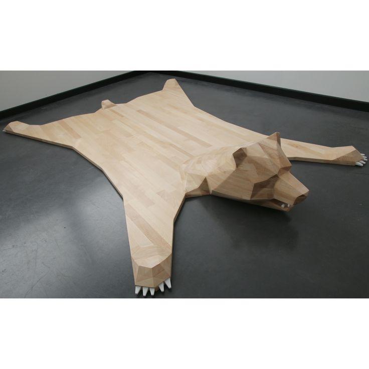 les 25 meilleures id es de la cat gorie tapis peau ours sur pinterest tapis de peau d 39 animal. Black Bedroom Furniture Sets. Home Design Ideas