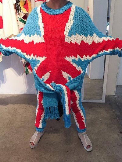 ユニオンジャックセーターリトゥン バイ、袖が6本付いたユニオンジャックセーター発売