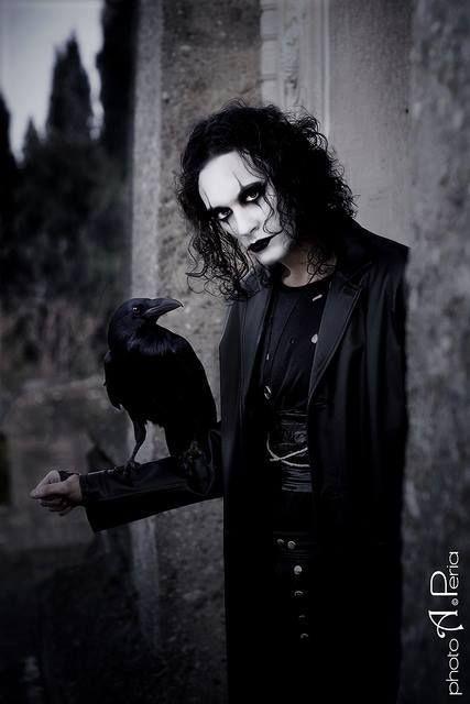 El Cuervo                                                                                                                                                                                 Más