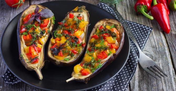 Recette de Aubergines brûle-graisses farcies aux légumes grillés. Facile et rapide à réaliser, goûteuse et diététique.