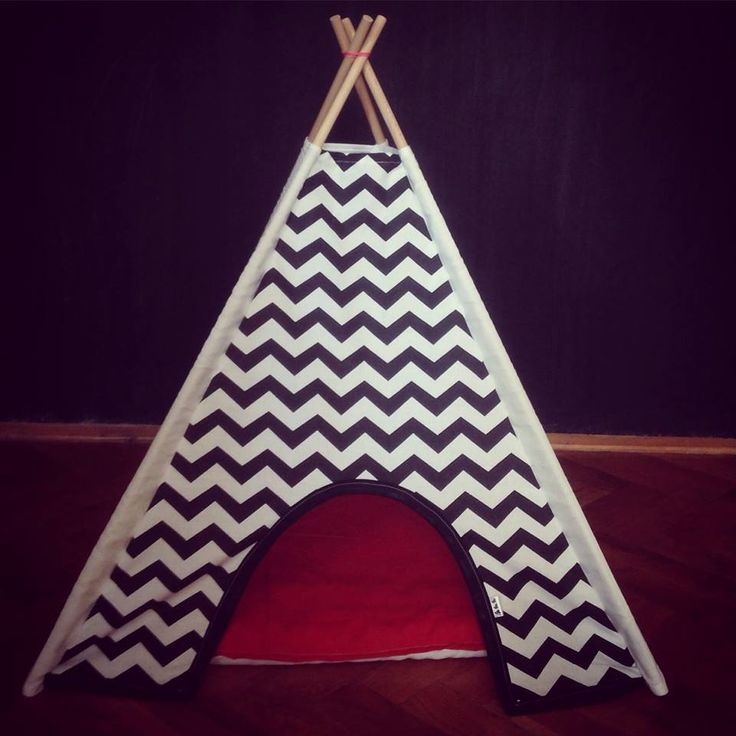 Twin Peaks teepee for cats and Dogs