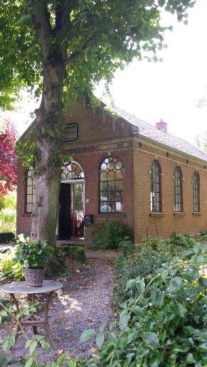 ♥ Pieterburen, vroeger een schooltje, nu koffie en thee huis...