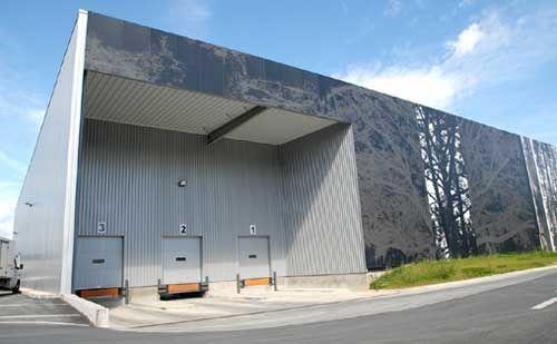 Pieles inclinadas para fachadas buscar con google for Diseno oficinas industriales