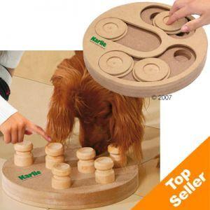 Kaksipuoleinen koiran älypeli (12,90€, se 25cm halkaisijaltaan) Käy myös muu vastaava, mutta käy katsomassa Meillonjo-kansiosta millainen meillä on jo.