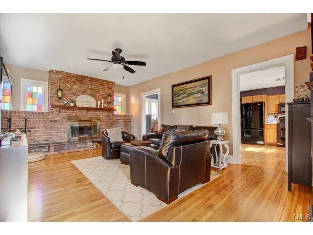 51 SHOREHAM TERRACE FAIRFIELD CT 06824 : Fairfield County CT Real Estate : Denise Walsh & Partners