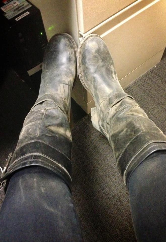 THE APPRECIATION OF BOOTED NEWS WOMEN BLOG : COURTNEY BRYANT HAS BOXED UP HER BOOTS IN BAKERSFIELD AND IS ON THE MOVE TO SAINT LOU