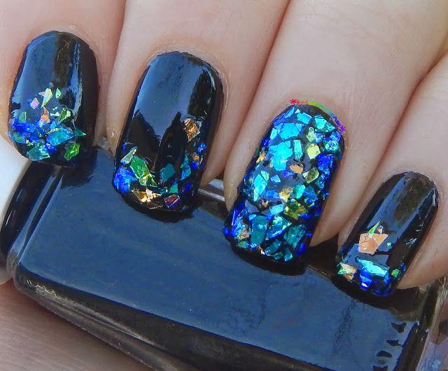 Shattered glass nail art