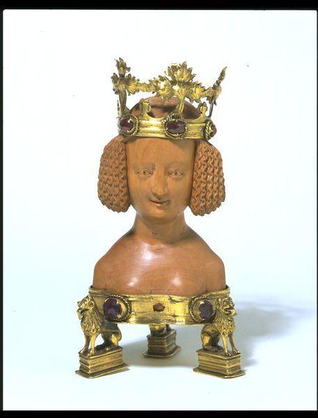 Buste.Probablement d'une sainte martyrisée. 1380-1400.  Fabriqué dans le sud des Pays-Bas.   Victoria and Albert Museum.