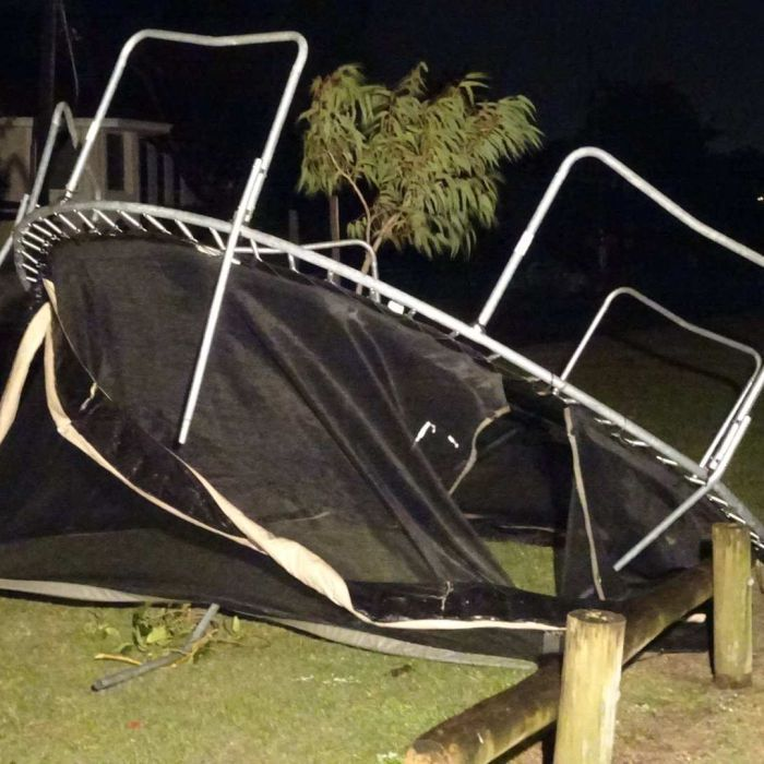 WA weather: More heavy winds on way after power cuts, damage in Perth, South West By Graeme Powell Updated 7 Sep 2016,