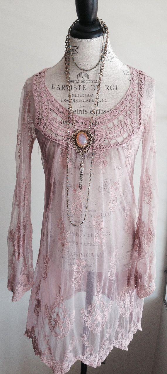 Blush Pink Sheer Bohemian besticktes Kleid von BohoAngels, 85,00 $