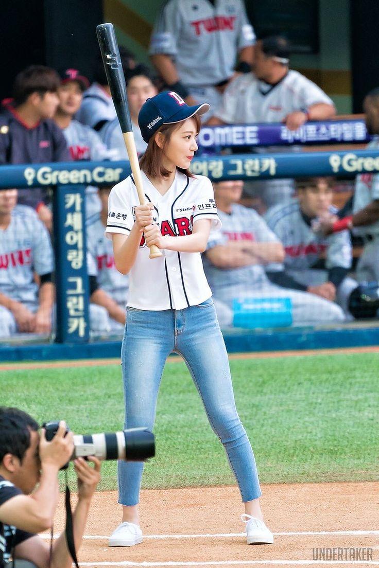 boy-baseball-girl-suck