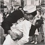 Alfred Eisenstaedt's image of a sailor kissing a nurse in Times Square on V-J Day in 1945. (Photo: Alfred Eisenstaedt, Time-Life/Getty Images)