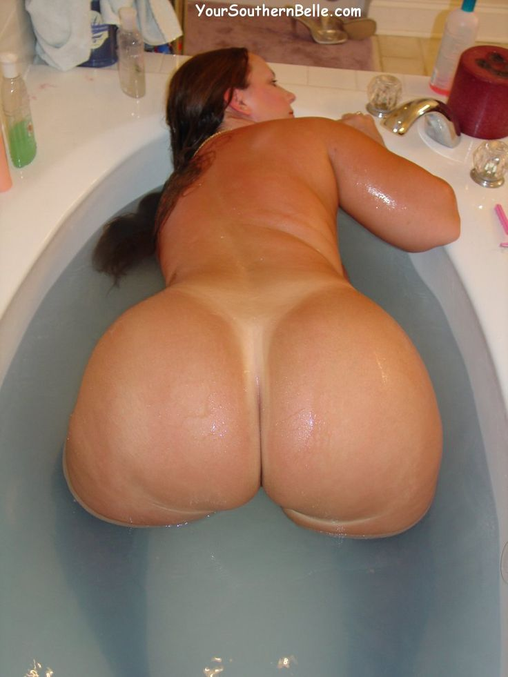 Thick ass riding butt plug until she prolapses 8