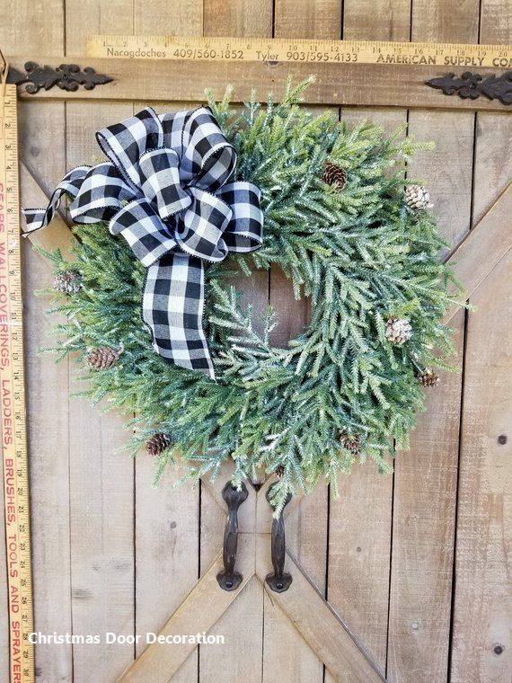 15 Most Creative Christmas Door Themes 1Green  Maroon Door in