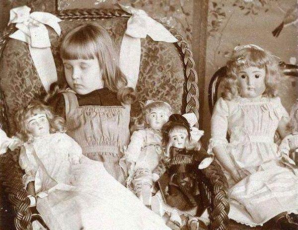 Фотографии с мертвыми - страшные традиции