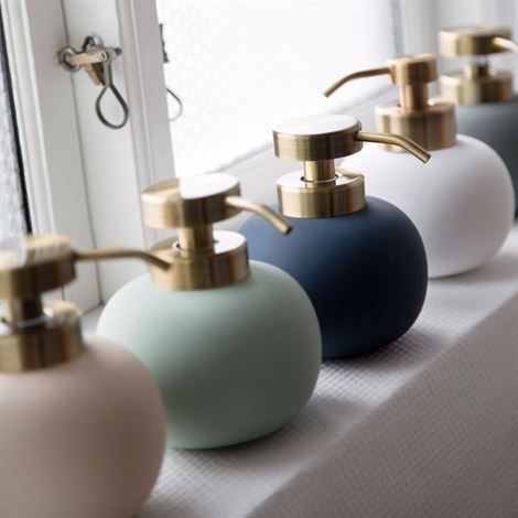 Lotus soap dispenser, Mette Ditmer