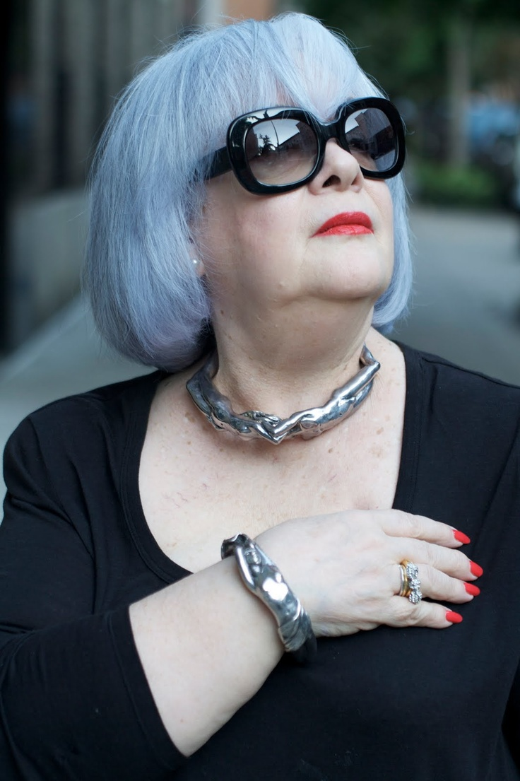 ADVANCED STYLE - 72 year old Zoya looking fab!Edna Mode, Lady Bracelets, Sweets Lady, Advanced Style, Naked Lady, Advanced Version, I M Older, 72 Years, Pictures Perfect