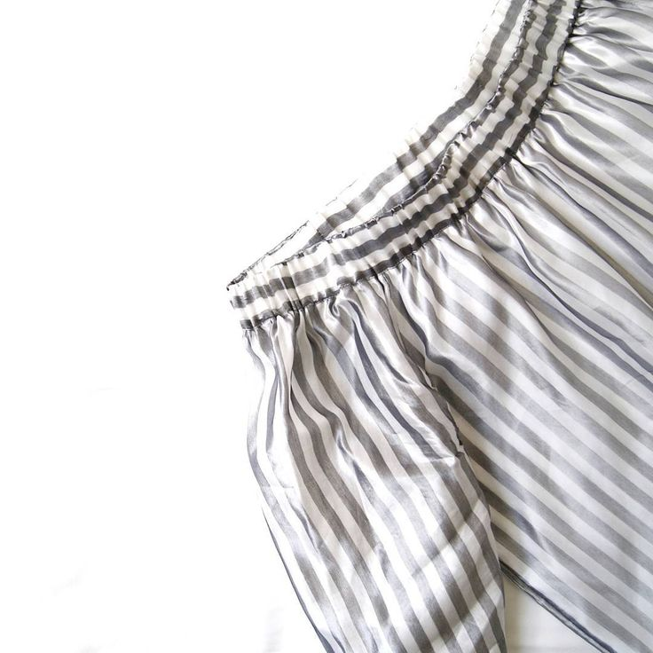 #new #newin #offshouldertop #top #stripes #blackandwhite #monochrome #boho #minimal #offshoulder #bohemian #whatiwore #sneakpeak #simplicity #instadaily #instablog