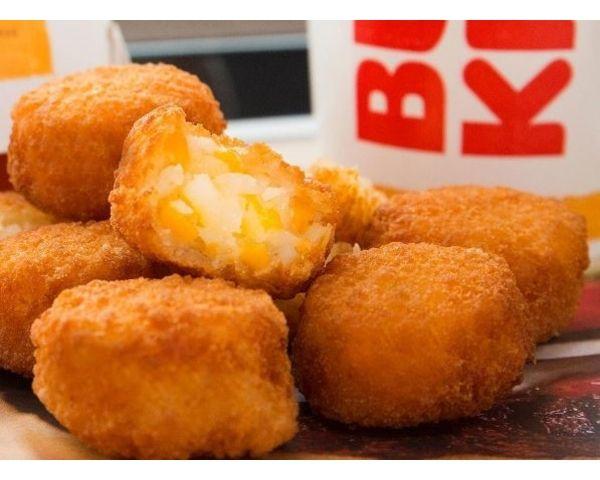 Burger King Cheesy Tots Hack - Easy DIY Recipe - http://www.morningledger.com/burger-king-cheesy-tots-hack/13125918/