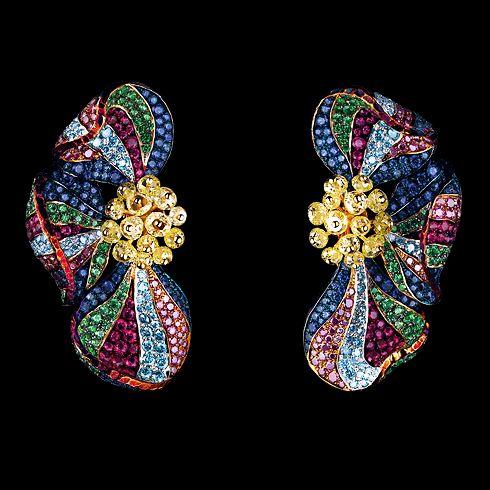Jewellery Theatre. Flowers High Jewellery Earrings...♡
