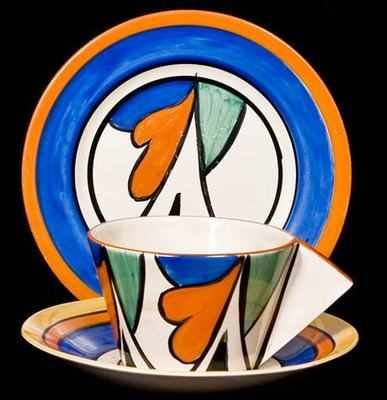 DOUBLE V - Clarice Cliff