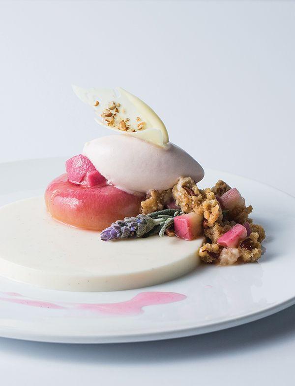 Buttermilk Panna Cotta with Roasted White Peach Sorert