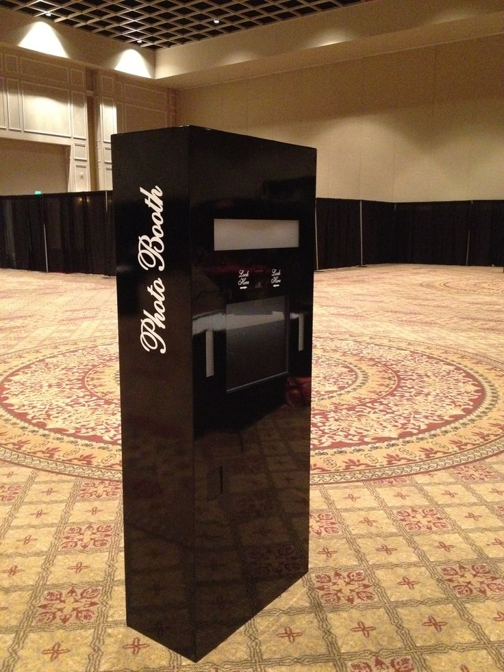 Our slick open booth perfectly formal.