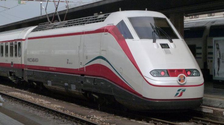 """Trasporto in Calabria, PCI: """"Trenitalia, (dis)servizio di trasporto pubblico"""""""