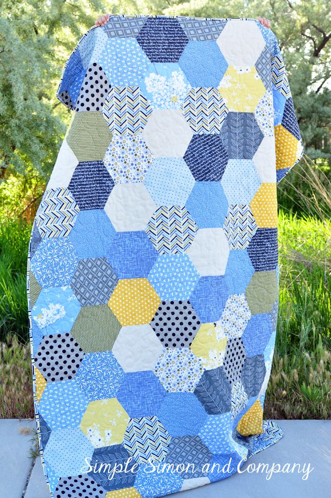 Best 25+ Hexagon quilt ideas on Pinterest Hexagon quilt pattern, Baby quilt patterns and What ...