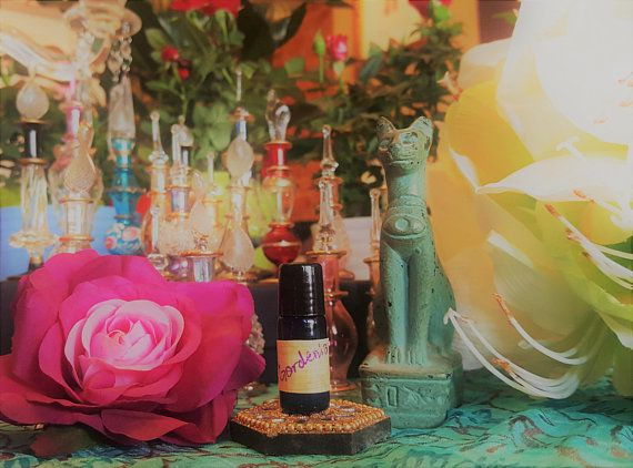 Essence Of Egyptian Gardenia Essential Oil Gardenia Essential Oil Flower Essences Essential Oils