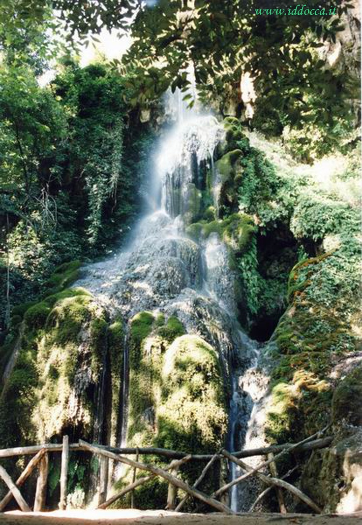 You can admire these waterfalls in Aymerich Park, in Laconi !