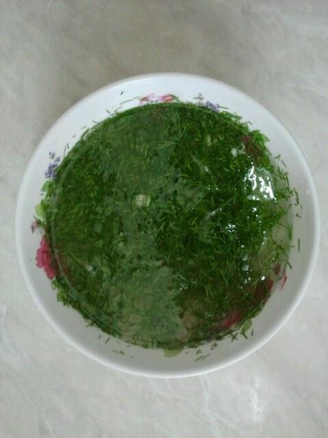 Dill & onion salad.