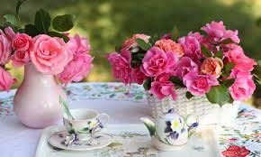Картинки по запросу чаепития за столом с семьей