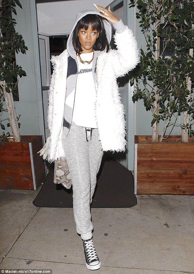 Rihanna in Santa Monica February 8, 2014 #STREETSTYLE
