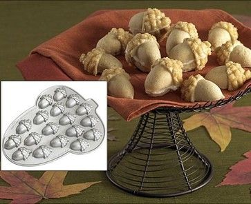 Acorn Cakelet Pan eclectic cookware and bakeware