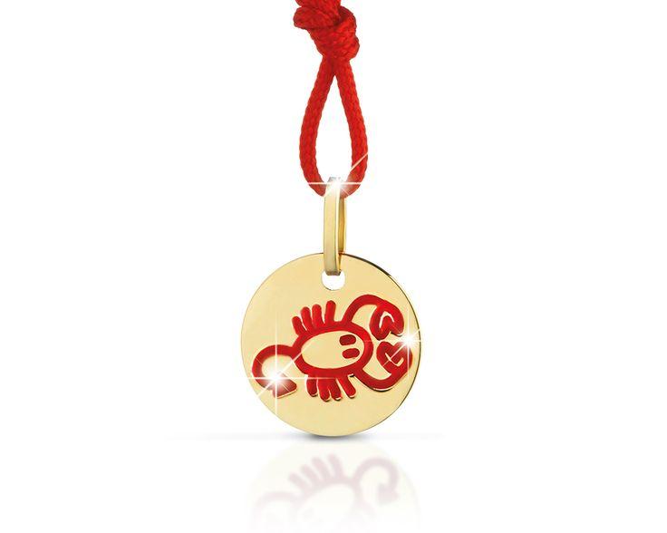 Collezione Zodiaco - Pendente oro giallo scorpione in smalto rosso cordino rosso Diam. 12 mm.