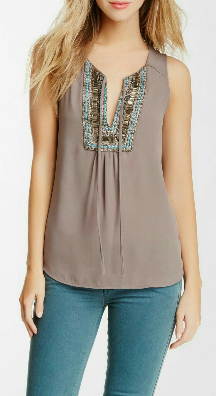 Discount Fashionable Clearance Store Online Sleeveless Top - COLORES SLVS by VIDA VIDA Cheap Release Dates Discount Countdown Package Discount Clearance Store Gf850u7jOL