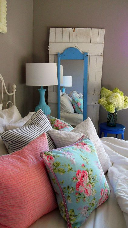 Vintage Country Chic  bedroom I want to re-do my room an I really like the rustic vintage look..love this