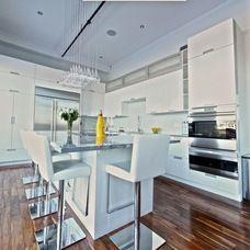modern kitchen White Lacquered Pro-Kitchen @ Le OXXFORD Penthouse