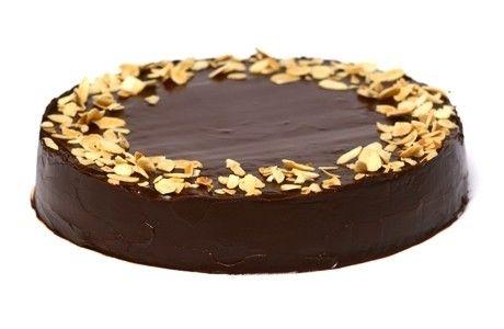 BOLO FUDGE DE CHOCOLATE  Fudge significa doce rico em chocolate. Neste bolo, a massa e a cobertura são feitas com chocolate em barra. Por is...
