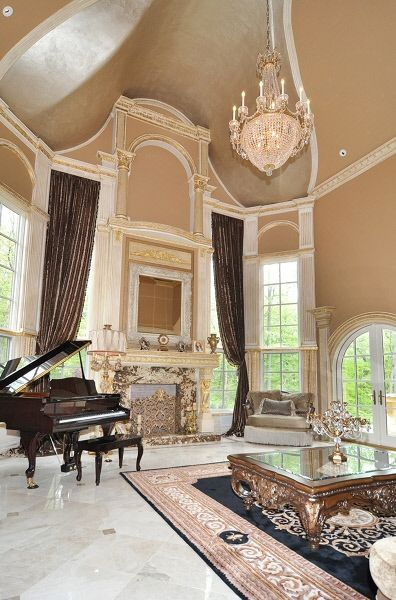 Melissa Gorga's living room, love the chandelier...such a grand space