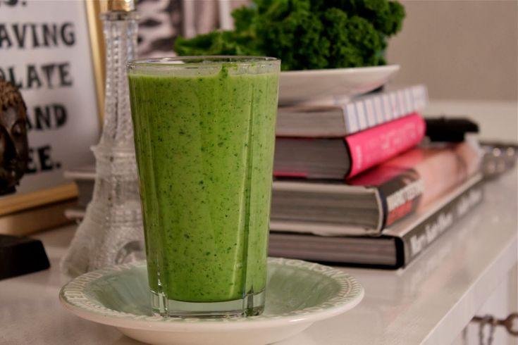 Jeg er fan av mat som er god for kropp og sjel. Oppskriftene du finner her på bloggen er mine favoritter som jeg håper flere kan glede seg over.