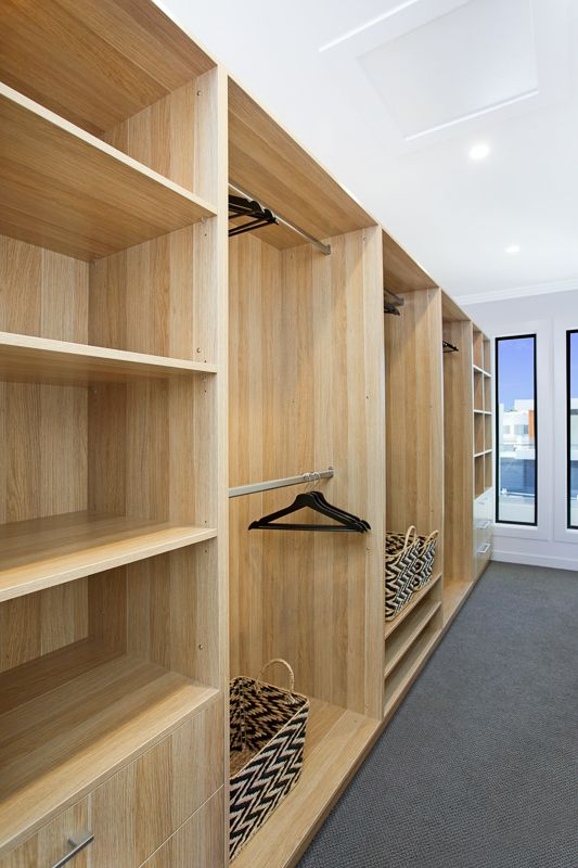 Stunning wardrobe in polytec Natural Oak Ravine