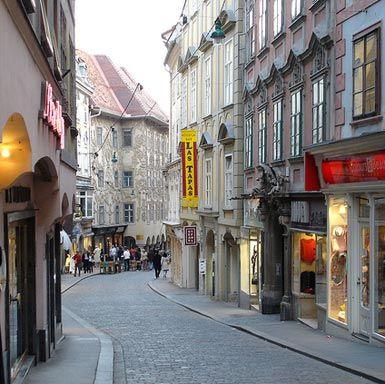 Graz Sporgasse on a Sunday