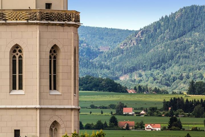 Oybin Monastery in Zittau Mountains. St.Johannis on the left. (no, this ain't no photoshop perspective) #StadtZittau