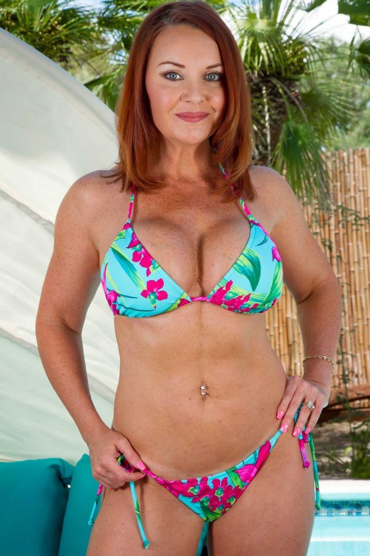 Janet Bikini 78