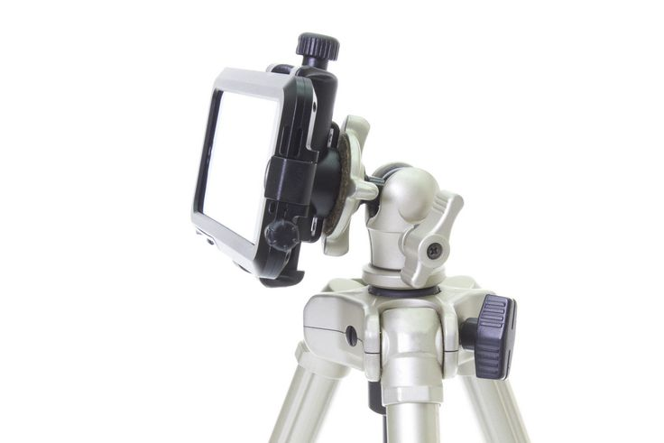 The BioLogic AncorPoint bar mount holding an iPhone on a tripod. http://www.thinkbiologic.com/products/anchorpoint-bar-mount