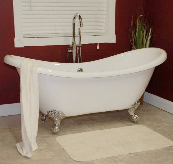 Dip into a little romance in our Calabria Clawfoot Tub! Do you have any memories of Clawfoot Bathtubs? Share them with us in the comments!   Click on the pin to see alternative color options! #clawfoot #bathtub