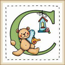 """calamita quadrata in legno di frassino """"L'alfabeto degli orsetti lettera C"""" bordo in legno naturale, idea regalo, artigianato italiano, made in Italy, con frase scritta, spiritosa, fuori stanza, appendi porta, fuori porta, tavola country, 5,5 cm x 5,5 cm"""